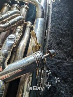 Besson New Standard Euphonium / 4 Valves / Silver / Case + MP / Vintage