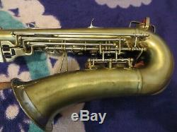 Buescher 400 Top Hat & Cane alto saxophone silver raised logo and bell ring