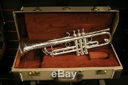 Getzen 900DLXS Eterna Deluxe Bb Trumpet, Silver