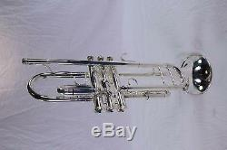 King Model 1117SP'Ultimate' Professional Marching Trumpet MINT CONDITION