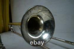 Ancien Lignatone Trombone Énorme Instrument De Musique Tchèque Avec Travail De Cas