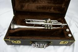 Bach Stradivarius Modèle 37 Bb Trompette D'argent Avec Étui