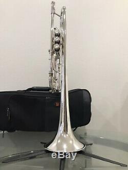 Bach Stradivarius Professional C Trompette Modèle 229 Argent Avec Protecteur Case Occasion