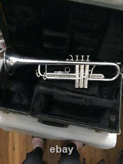 Holiday $ale Vintage Selmer Radial 66 Great Player 5 Bell Trumpet Silver & Case
