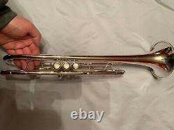 Jerome Callet Soloist Trumpet Dans Un État Immaculé