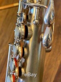 King Courbe Soprano Saxophone Nr 123986 En Argent Repadded Perfect Ships Gratuit