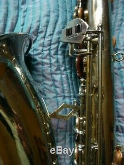 Tenor Saxophone Excellent État ' Dolnet'bel Air