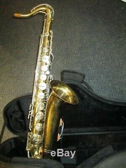 Vintage Buescher Aristocrat Tenor Saxophone Ser. # 639xxx Avec Protec Case