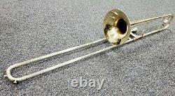 Vintage H. N. White King Silver Trombone Avec Boîtier. Un Vol