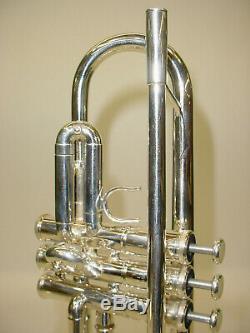 Yamaha Argent Ytr-8335las Custom Series Bb Trompette Comprend Case Et Embouchure
