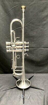 Yamaha Ytr-6335hs Professional Trumpet Avec Yamaha Custom Japan 16c4-gp Embout Buccal