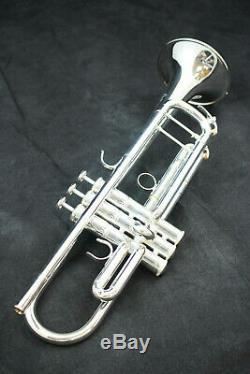 Yamaha Ytr-8345iis Xeno Series Bb Trompette. 462 Bore, En Argent Avec Étui