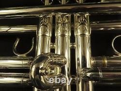 Yamaha Ytr6335s Bb Trumpet, Argent, Menthe Avec Des Étiquettes